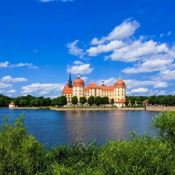 Frontansicht des Barockschloss Moritzburg