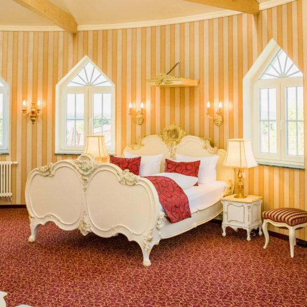 Königliches Bett in der Schloss-Suite