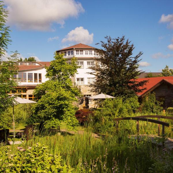 Wellnessgarten mit Ayurvedapavillon und Ruhegalerie