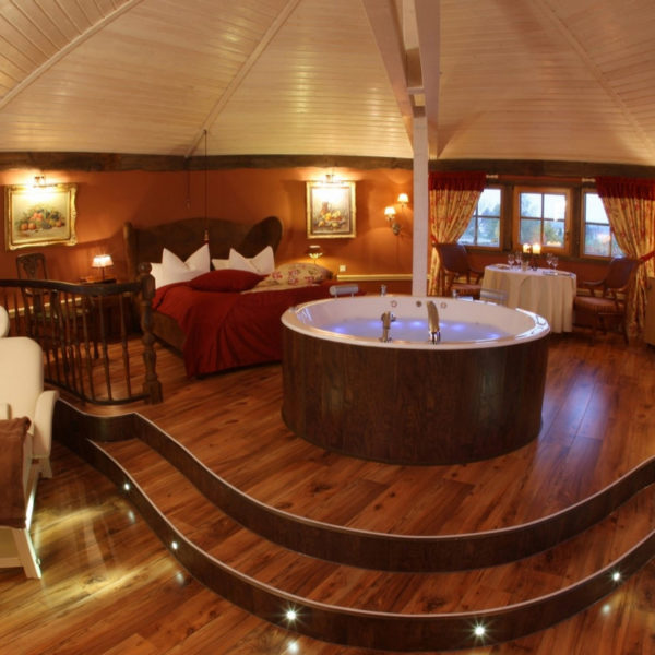 Spa Suite mit eigenem Whirlpool